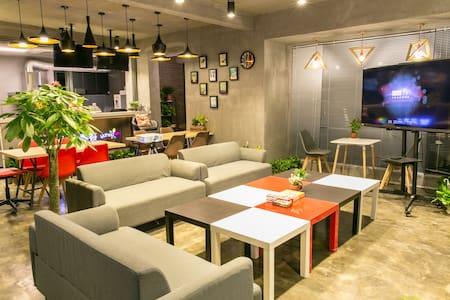 400平室内loft多变风格+200平超大露台,聚会?开趴?看球?烧烤?想什么有什么 - Changsha Shi