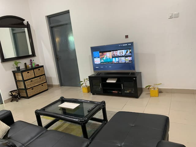 Comfortable Room in Apartment near the beach, Osu