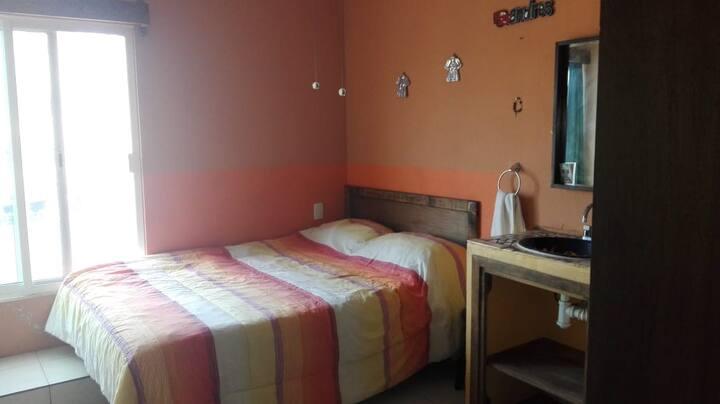 Habitacion 6 con baño privado