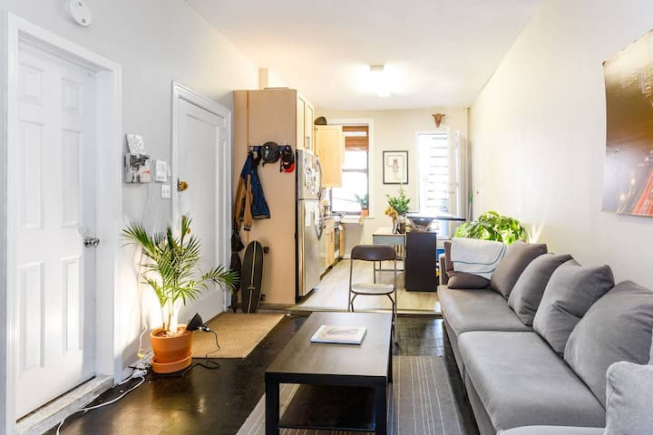 Stellar LES Apt w/ Private Outdoor Space