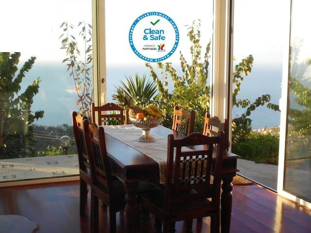 Casa Albatros, bietet 180° Meerblick  und Garten