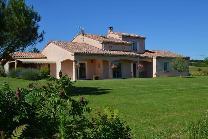 Chambre d'hôte de la Nougarède - Montgaillard - Hus