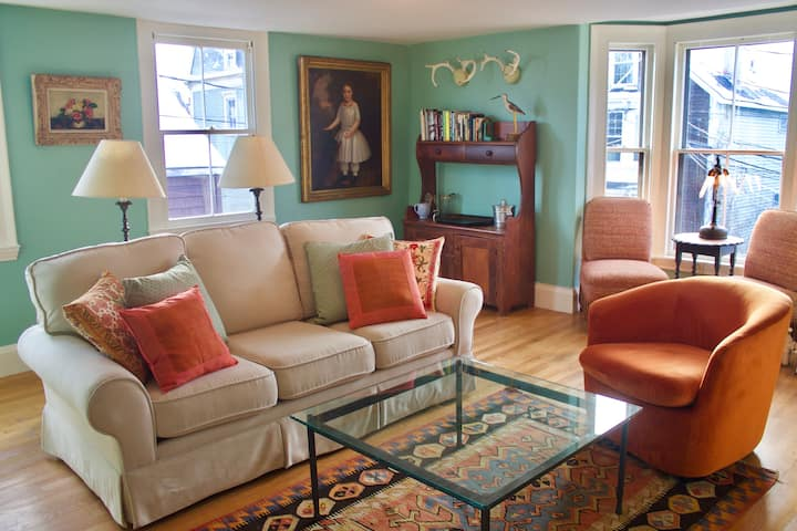 Elegant 3-bedroom townhouse in historic West End
