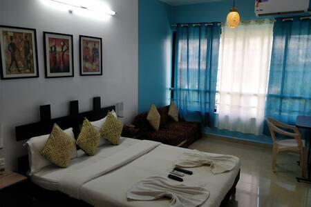 Fully Furnished Single Bedroom Apt