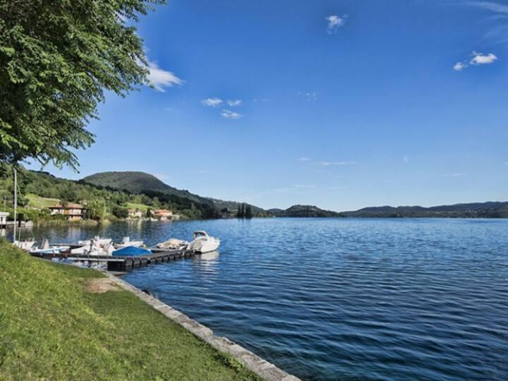 Appartamento al lago. Spiagge, piscina a due passi