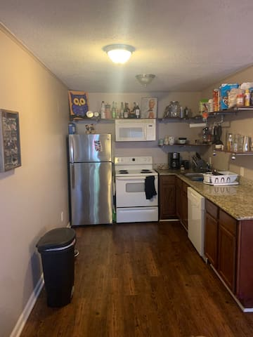 Cozy apartment, walking distance to Northgate/A&M