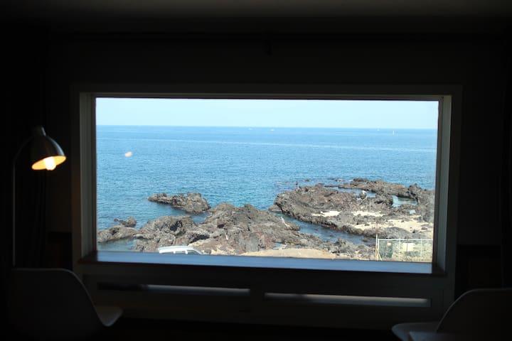 #203, Loft room, 2~4pax, near beach, near Airport