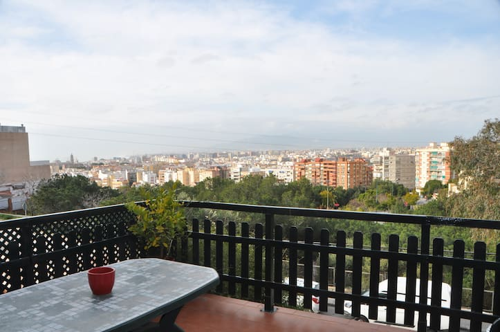 BEST HOUSE IN MALAGA: NEW, VIEWS, CLEAN & COMFORT