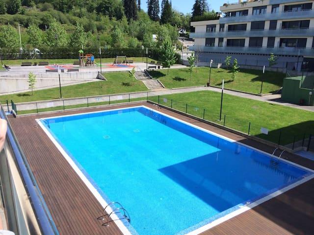 Piso Urbanización privada Oviedo - La Manjoya - Apto. en complejo residencial