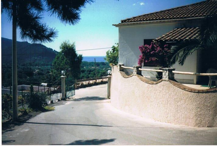 Villa al chiar di Luna - Super panoramica Palinuro - พาลินูโร - วิลล่า