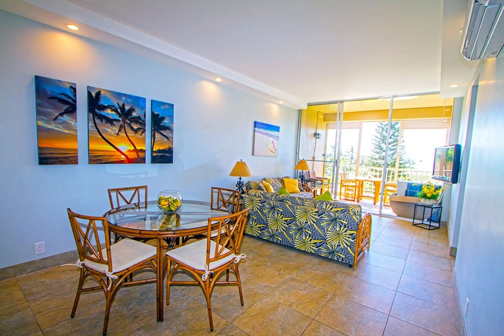 diningroom, living room to lani.  AC in every room!!!