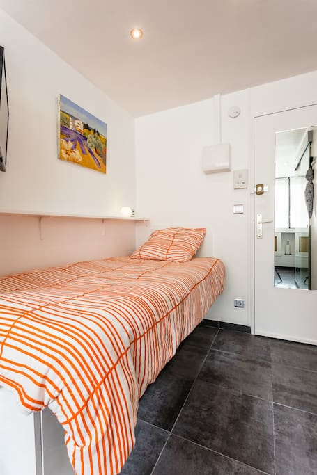 hypercentre talleyrand studio apartments for rent in reims champagne ardenne france. Black Bedroom Furniture Sets. Home Design Ideas