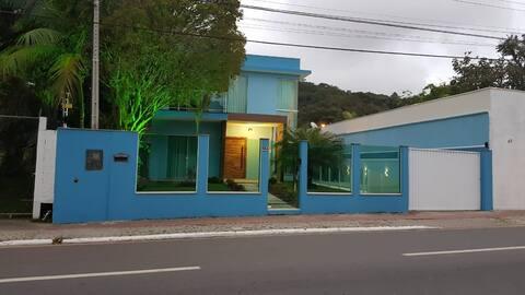 Quarto estilo hostel - Próximo Parque Unipraias