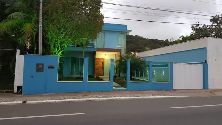 Quarto Interpraias Casal próximo Parque Unipraias