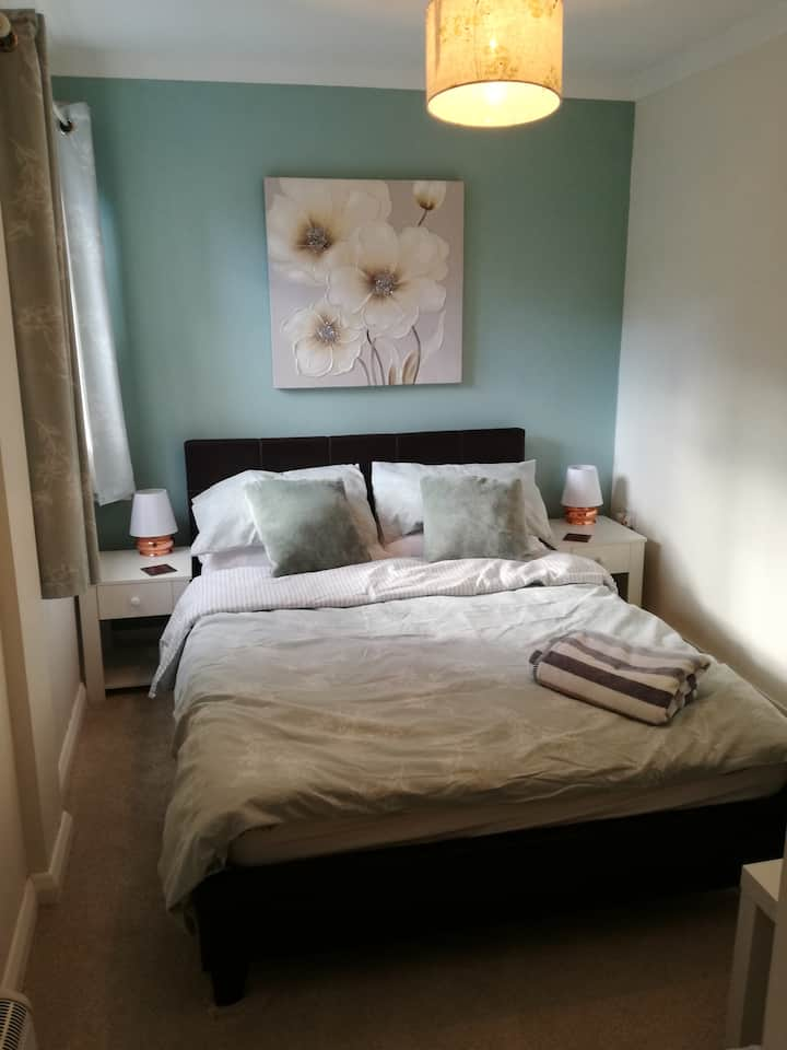 Close to Stansted Airport, Private double ensuite