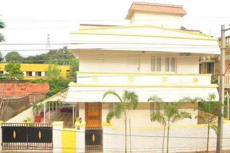 Premier Simhapuri