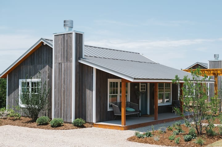 The Nest - Luxury Cottage in Charming Locale