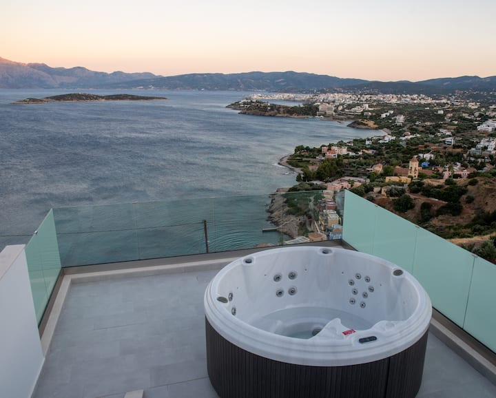 Villa Uranus with Jacuzzi  - Miracle View Villas