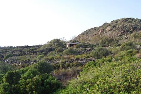 Dammuso per due con vista su Punta Fram - Villa