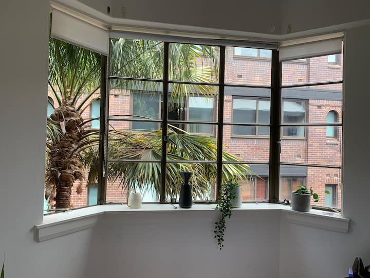 Loft located in the heart of Potts point