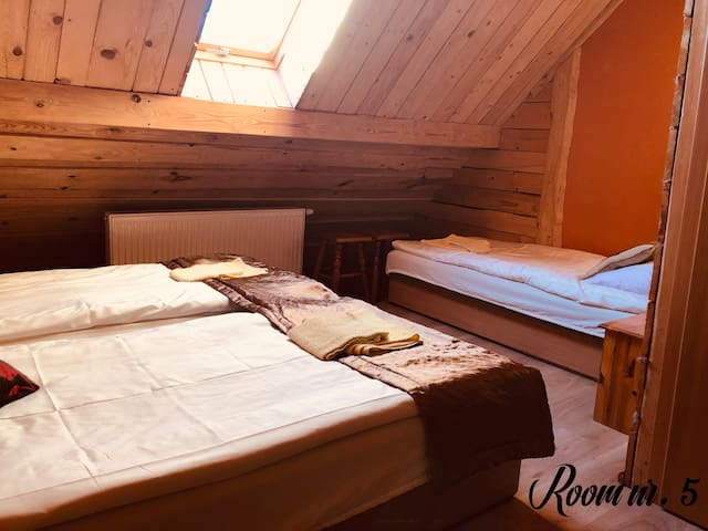 Marianówka Pokój nr. 5 dla 3 osób