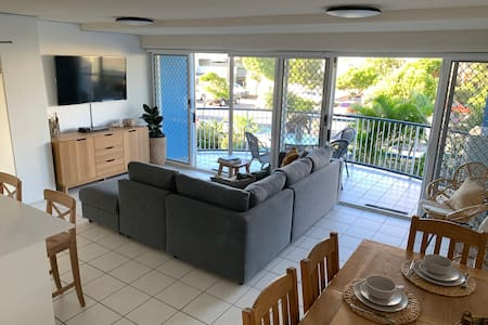 Easy Living Cotton Tree -Beach, River, Park, Cafes