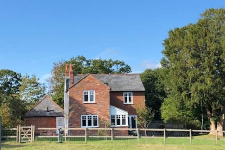 New Forest farmhouse close to Lymington