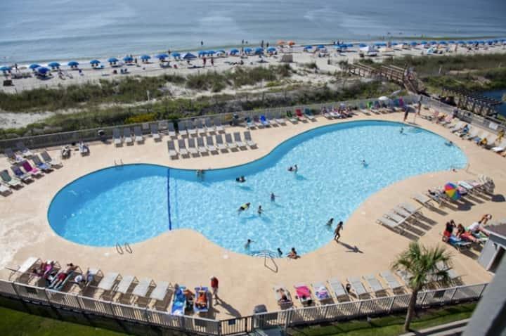 532B 6 Person Ocean Condo Summer Open!