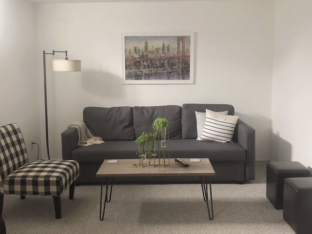 Friendly and Cozy Suite with convenient location!