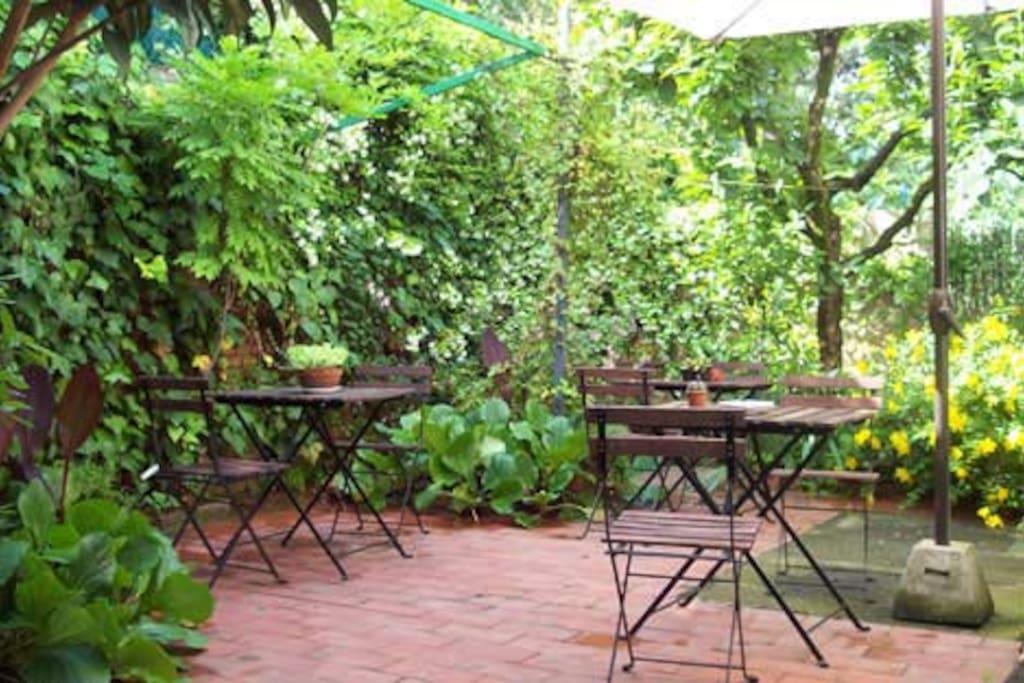 Appartement dans une petite villa avec jardin for Location appartement avec petit jardin