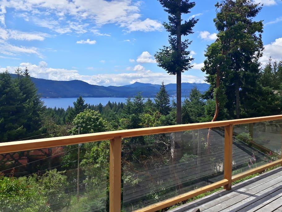 Plenty of sunshine hours to enjoy the 180 degree view.