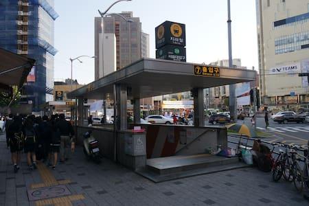HAPPY TOWER (LOFT STYLE - ROOM6) - 봉천동, Seoul