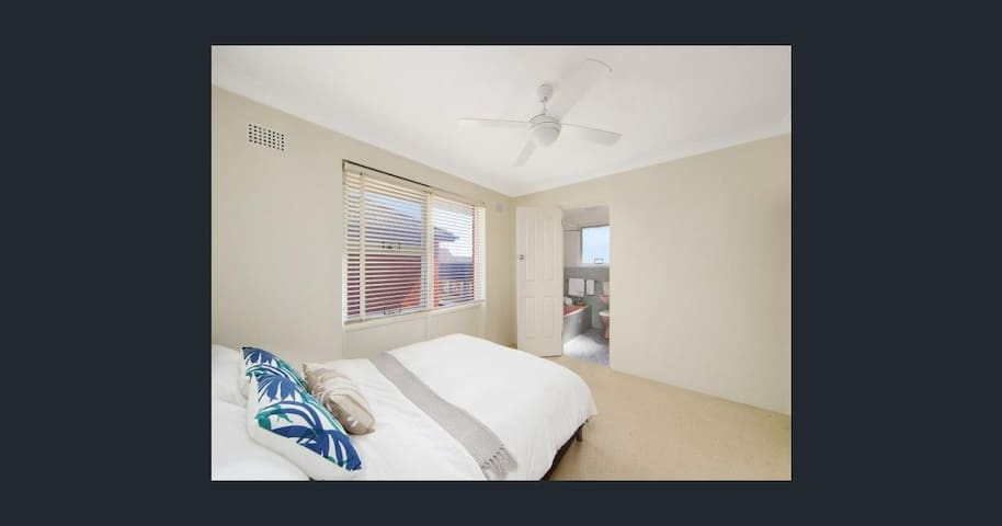 1 Bedroom entire apartment. Cosy and Convienient