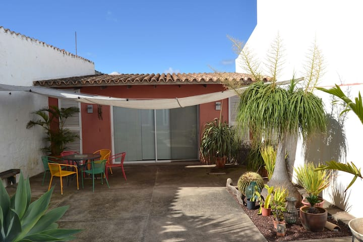 Artist Home with terrace. Next to the city & beach