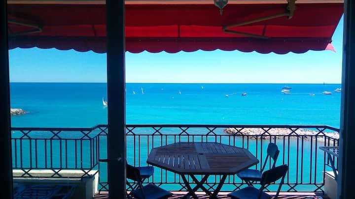 Nuovo Appartamento fronte mare 3 km da Monte Carlo