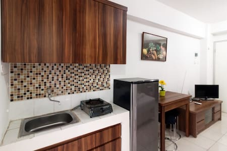 BEST DEAL Studio Room At Apartment Green Bay Pluit - Penjaringan - Apartmen