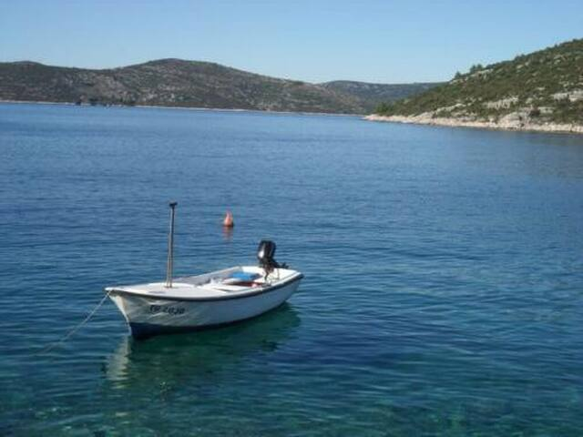 ~Robinson Island~ - Trogir - House