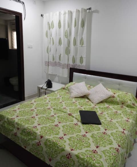 Private room with attached bathroom in Kokapet