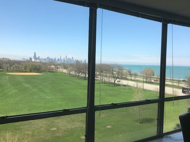 Chicago Condo with views of Lake and Downtown - Chicago - Apto. en complejo residencial