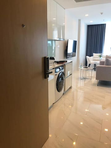 Brand new 1Br with stunning views