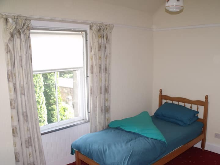 Comfortable Room in Falkirk Town Centre