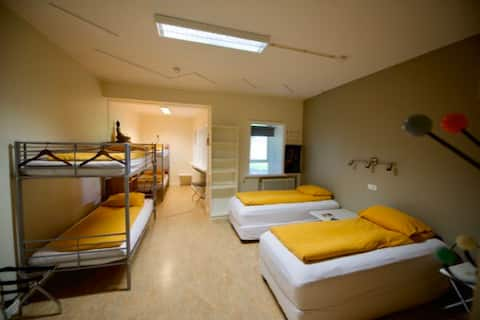 Hostel B47-Bed in 6-bed Dormitory Room
