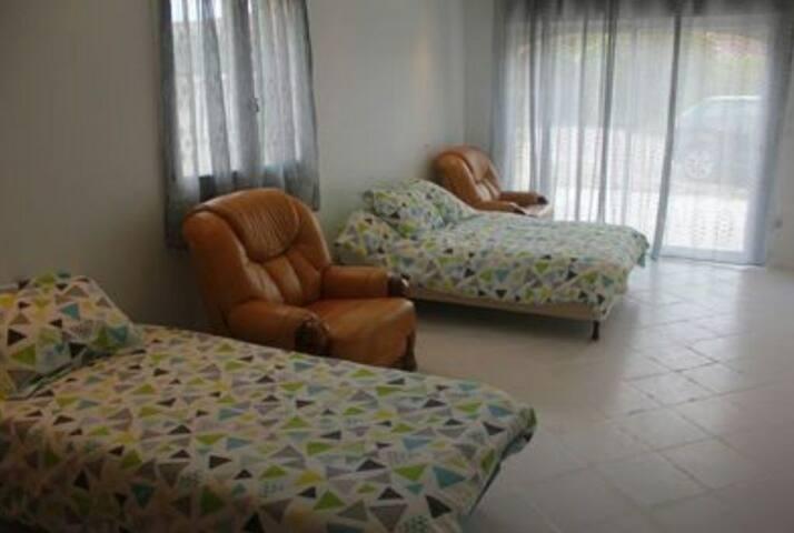 Chambre privée au sein d'une villa