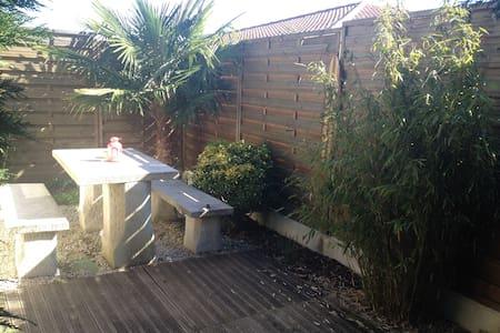 Appartement Anglet avec piscine terrasse et wifi