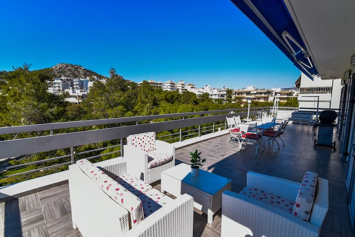 Penthouse, Varkiza, Athens resort, near the sea. - Vari - Flat