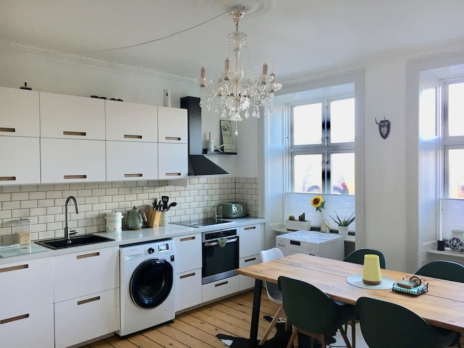 Brand new kitchen with nespresso machine and all you need