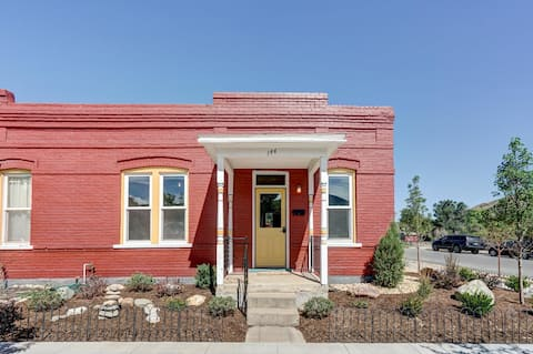 Corner Cottage in Downtown Salida