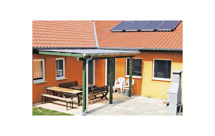 Holiday cottage with 4 bedrooms on 221 m² in Priborn