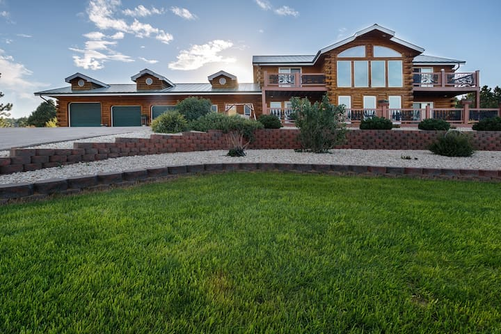 Box Canyon Lodge | 5 BR Home Near Mt. Rushmore! | Private Indoor Pool