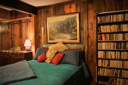 Snowcap Adobe:Bungalow Bunkroom - Lägenhet